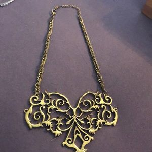 Victorian necklace chain is old